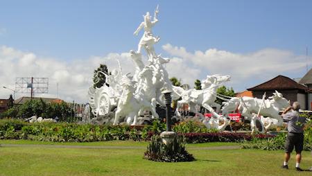 bali statue gatot kaca denpasar airport